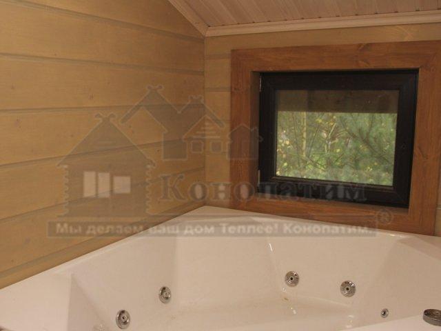 Фото-покраска и теплый шов внутренних стен дома из профилированного бруса в пос. Молодежное. Ванная.