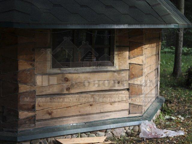 Фото-внешняя конопатка гриль домика в СНТ Корвет. Пример конопатки малых форм.