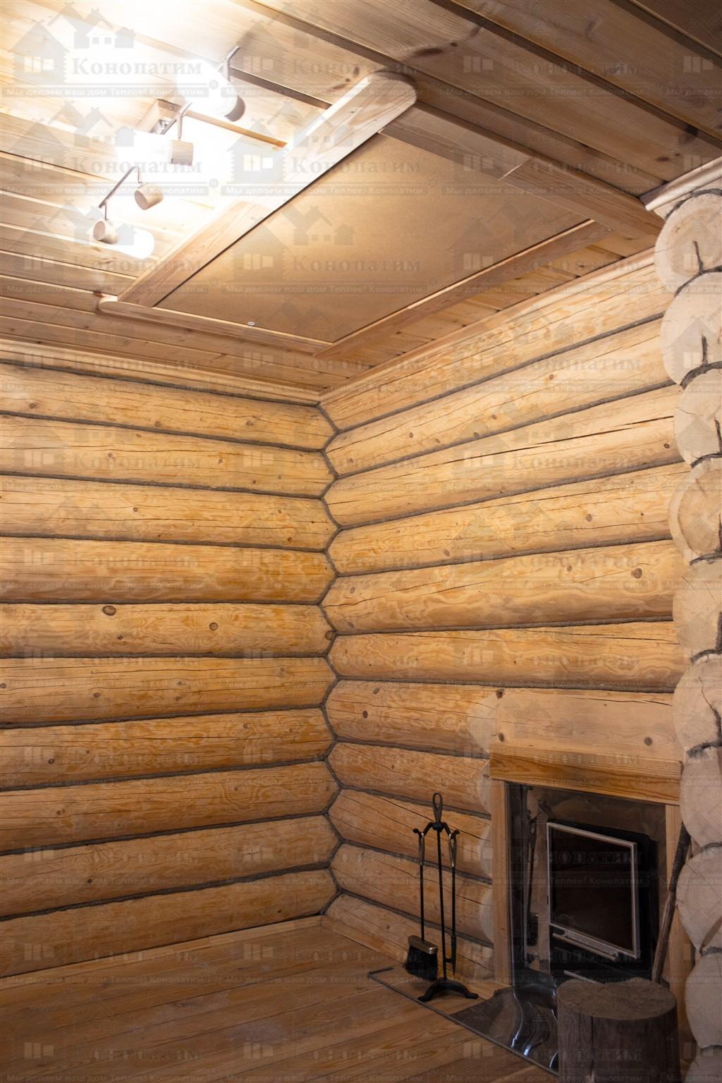 Фото-дом-баня ручной рубки в пос. Дачное после конопатки внутренних стен.